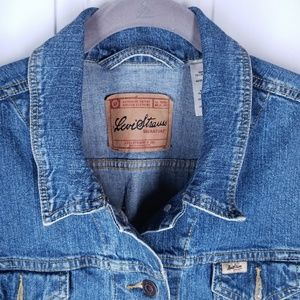 The Classic by Levi Strauss- Size XL